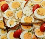 Индиец умер, пытаясь на спор съесть 50 вареных яиц