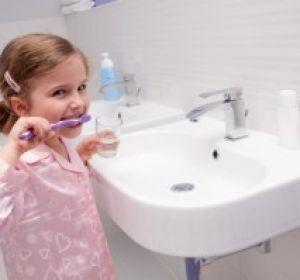 Химические вещества в пищевой упаковке могут повредить детские зубы