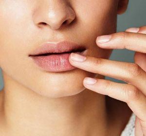 Герпес на губах: причины и быстрое лечение в домашних условиях
