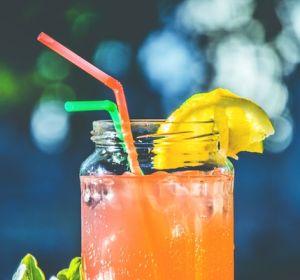 Росконтроль нашел апельсиновый сок без апельсинов