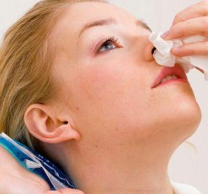 Кровотечение из носа: причины, как остановить, препараты