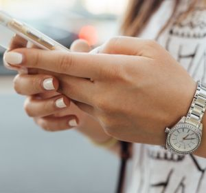 Как научить себя не отвлекаться на телефон?
