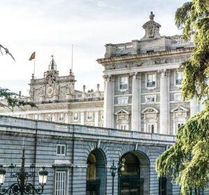 Испанское правительство искоренит альтернативную медицину
