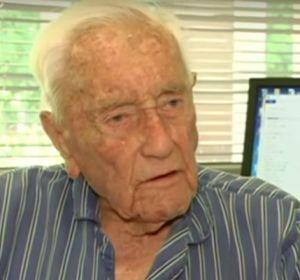 Самый старый ученый Австралии улетел умирать вШвейцарию