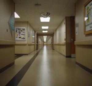 Заведующий якутской больницей избил пришедшую снимать побои пациентку