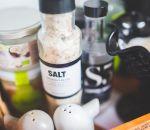 Чрезмерное потребление соли может привести к увеличению веса