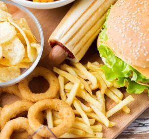 Калорийная еда стимулирует болезнь Альцгеймера