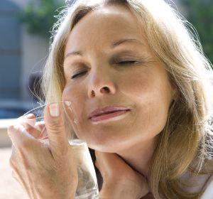 Сколько длится климакс — средняя продолжительность и когда проходят симптомы