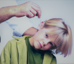 Инородное тело уха: симптомы, что делать, неотложная помощь ребенку и взрослому