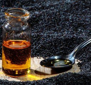 Масло черного тмина: польза и вред, применение, чем полезно