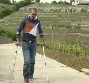 «Я всегда мечтал снова ходить»: Как импланты для позвоночника помогли парализованному