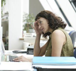 Офисные работники недовольны сидячим образом жизни
