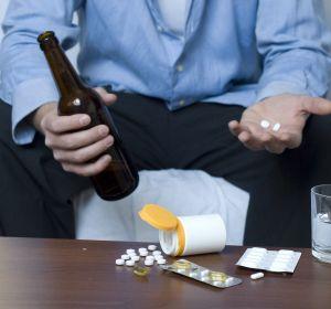 Алкоголь и Парацетамол: совместимость, через сколько можно пить, последствия