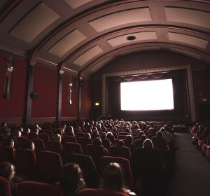 Поход в кино приравняли к физическим упражнениям