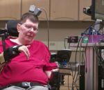 Парализованного мужчину научили двигать рукой силой мысли