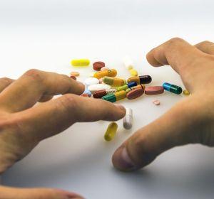 Хорошие успокоительные средства от депрессии — список безопасных растительных препаратов и настоек