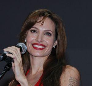 «Ген Джоли» не повышает риск смерти от рака груди