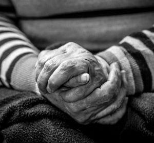 98-летний французский врач ведет прием всю жизнь