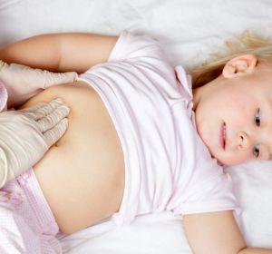 Колит у детей — признаки и виды, как вылечить медикаментами или средствами народной медицины, осложнения