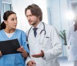 Повечерам врачи несклонны проверять пациентов нарак