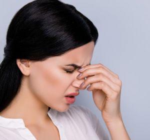 Промывание носа при гайморите — как правильно делать и выбор раствора