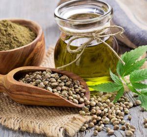 Льняное масло при гастрите — лечебные свойства, правила употребления внутрь и противопоказания
