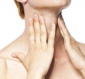 Ком в горле — почему появляется ощущение при глотании