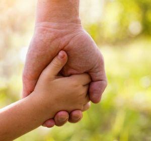 Запрет ВИЧ-положительным на усыновление признан незаконным