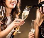 Медики рассказали о пользе шампанского