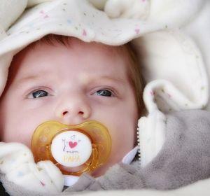 Специалисты рассказали, почему родители сюсюкаются смладенцами