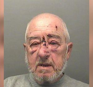 Пенсионер из Уэльса 5 лет просто так вызывал себе скорую