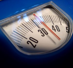 Симптомы и лечение булимии у женщин — как победить приступы обжорства и переедания
