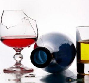 Причины алкоголизма у мужчин и женщин — признаки, симптомы, лечение