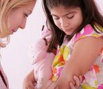 В Европе детям без прививок начали запрещать ходить в школу
