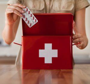 5 простых жаропонижающих препаратов для домашней аптечки детям и взрослым с ценами