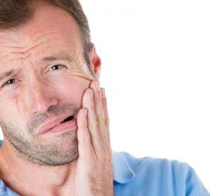 Острая зубная боль: причины, что делать, как и чем снять