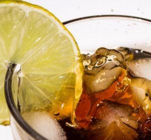 Подслащенные напитки связали с развитием слабоумия