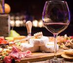 Бокал вина в день повышает риск рака