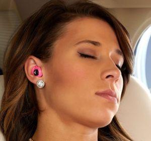 Почему закладывает уши у ребенка и взрослого — причины и лечение