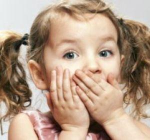 Запах ацетона изо рта — вероятные причины у взрослых и детей, симптомом каких заболеваний является
