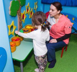 Задержка в развитии у ребенка: причины, симптомы и лечение