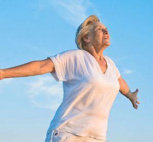 Специалист по менопаузе рассказала, почему женщины живут дольше мужчин