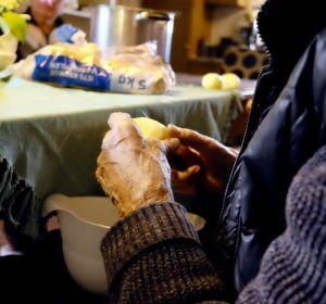 Меню при запорах у пожилых людей: что можно и нельзя кушать при диете