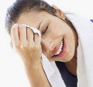 Можно ли бороться с сильным потоотделением на лице?
