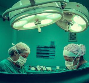 Жителю Сахалина удалили опухоль на лице весом в полтора килограмма