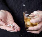 Можно ли пить алкоголь с антибиотиками — совместимость и побочные эффекты