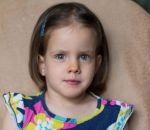 Из-за редкой болезни девочка может жить только на диете