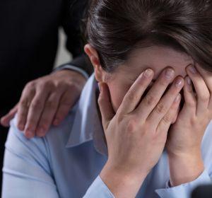 8 из 10 работников рыдают по вине босса