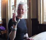 Британская студентка спротезировала «шестой палец»