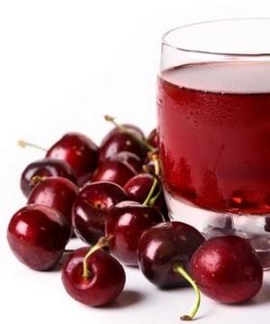 Вишневый сок и вишня